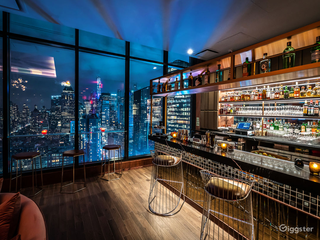 Rooftop with spectacular NYC views & outdoor! Photo 1