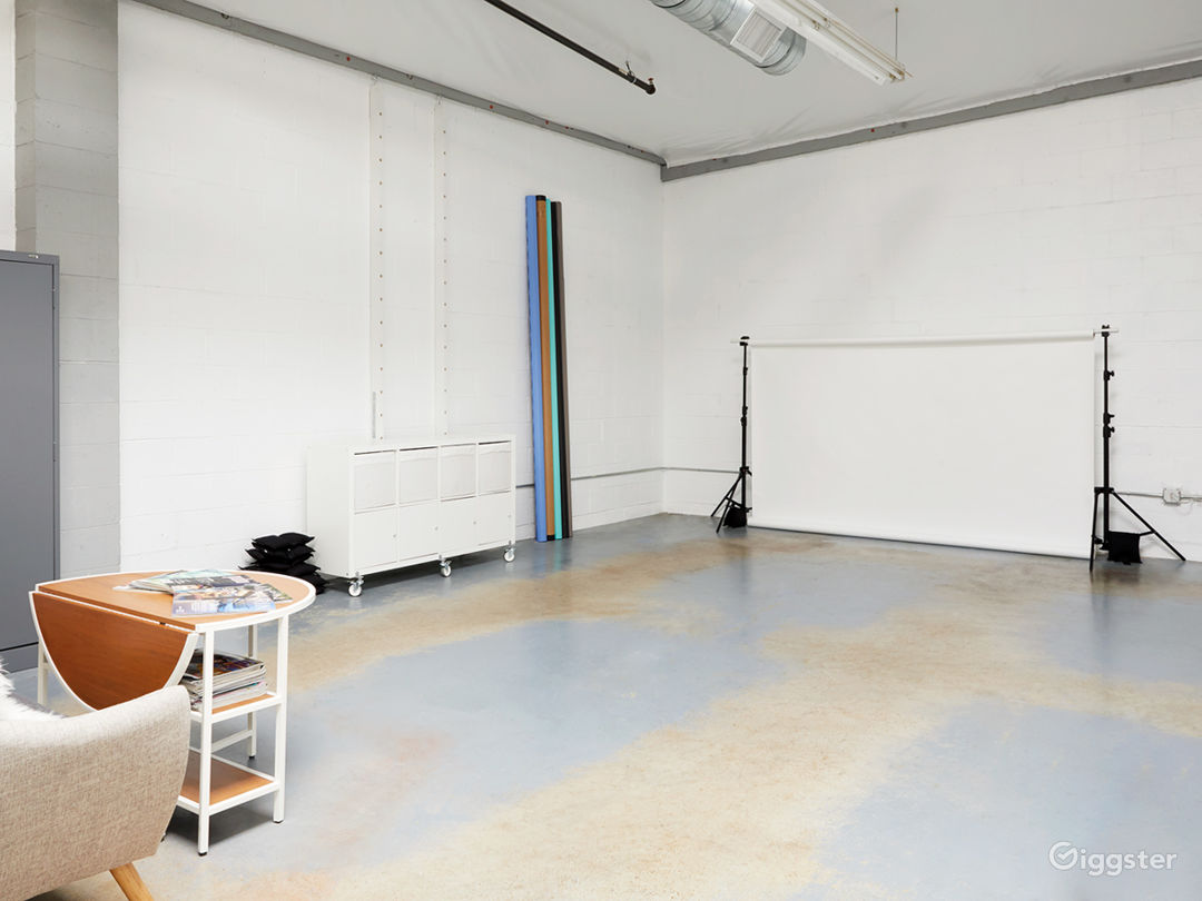 Photo Studio with Skylights  Photo 3