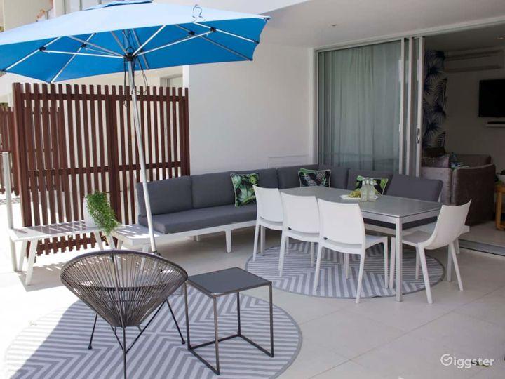 swim-out terrace