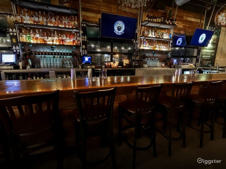 Cozy Bar Area with Stage View in Florida Photo 4