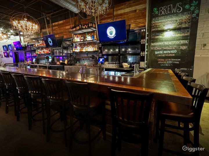 Cozy Bar Area with Stage View in Florida Photo 5
