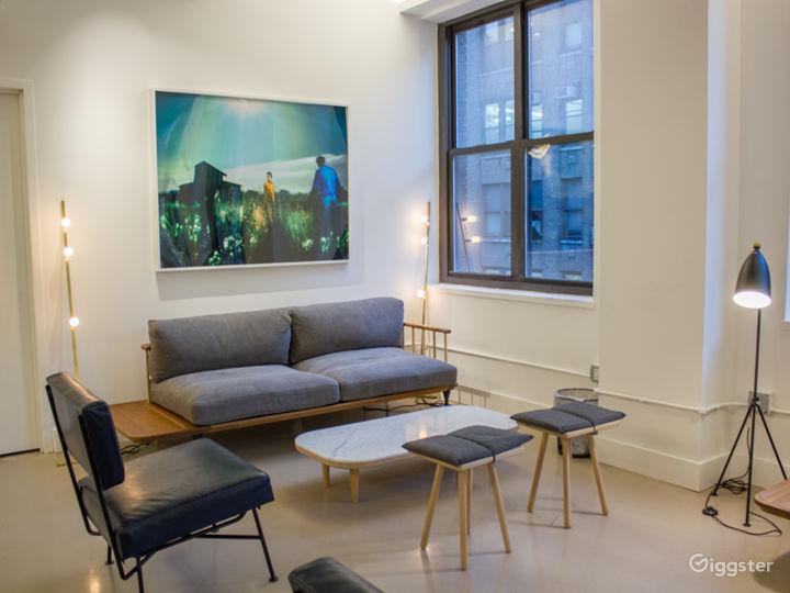The Lounge Photo 4