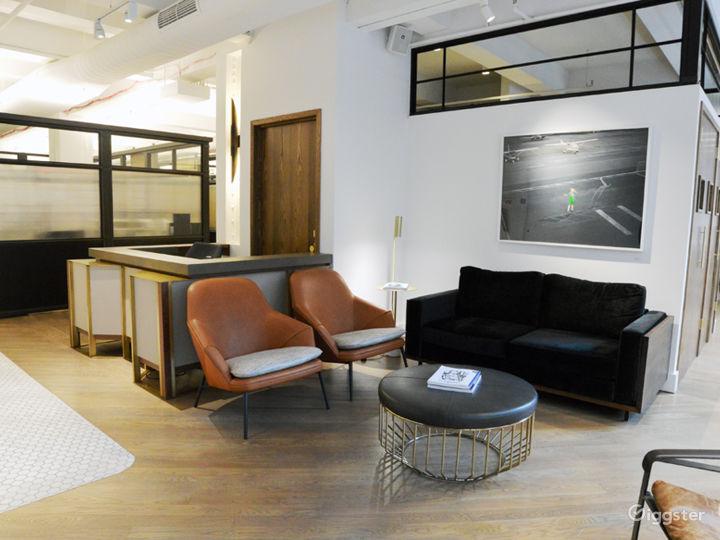 The Lounge Photo 5