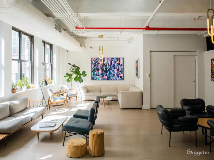 The Lounge Photo 2
