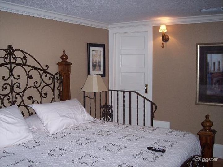 Mesmerized Moon River Suite Room Photo 4