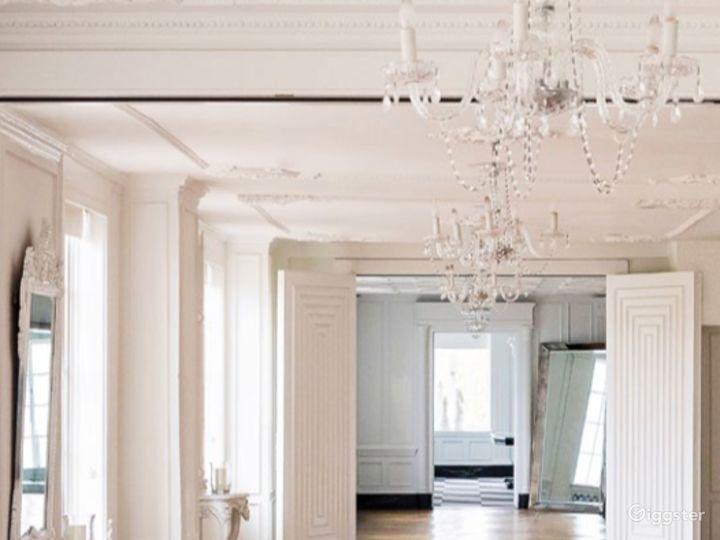 The Parisian Room Photo 2