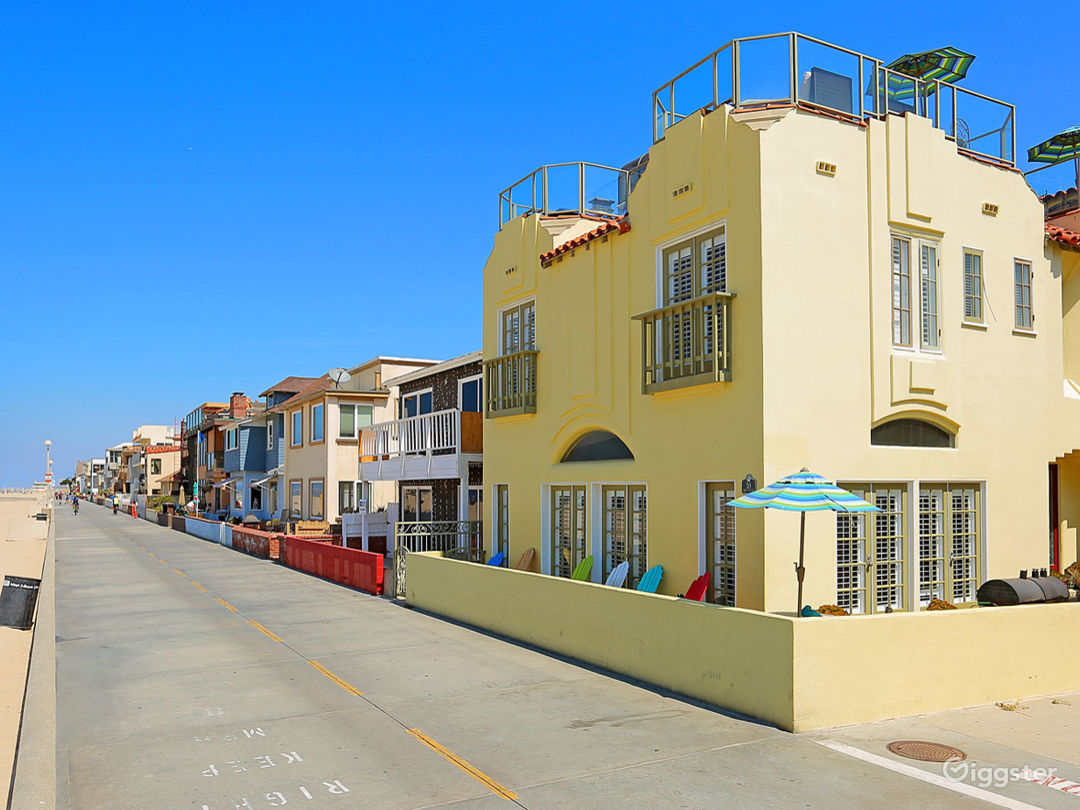 Beachfront Strand House with Rooftop Bar  Photo 2