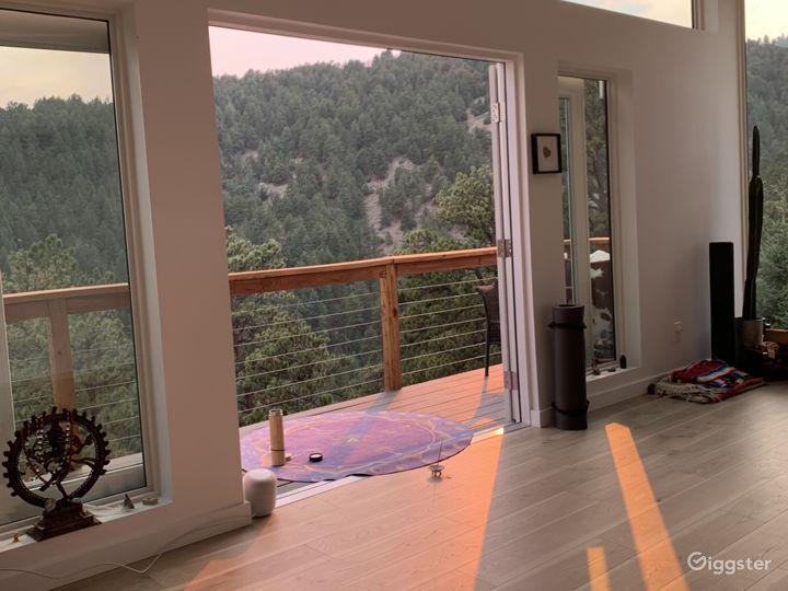 Boho Mountain Lightfilled Studio Photo 5