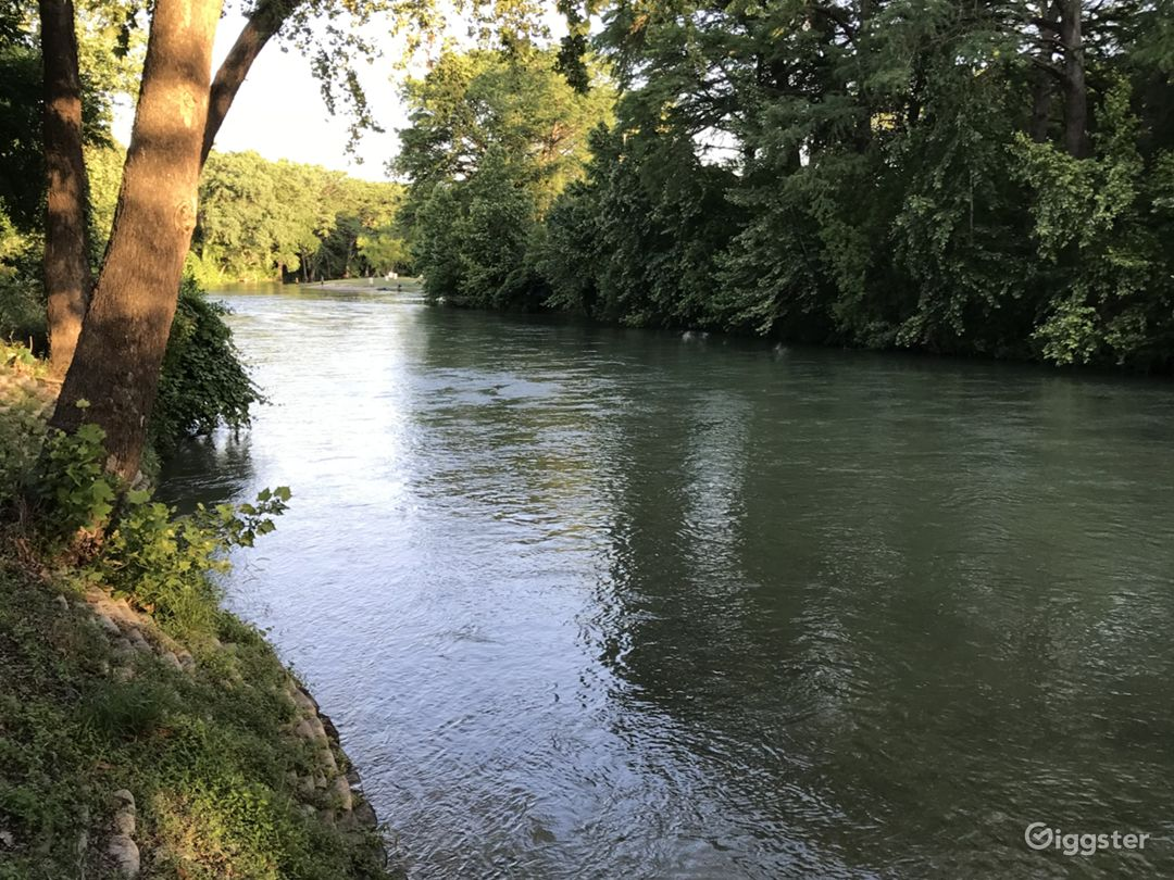 Wadeable part of Guadalupe River
