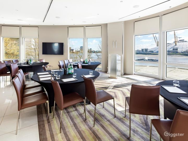 Bright & Spacious River Room in Canary Wharf, London Photo 3