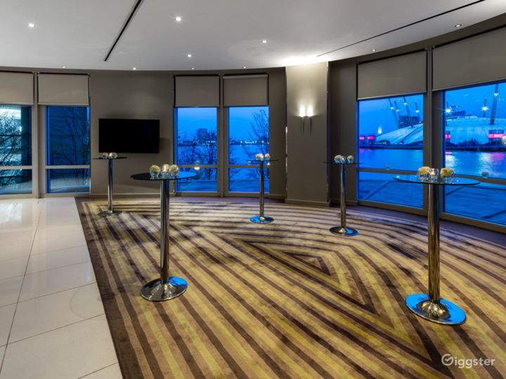 Bright & Spacious River Room in Canary Wharf, London Photo 4