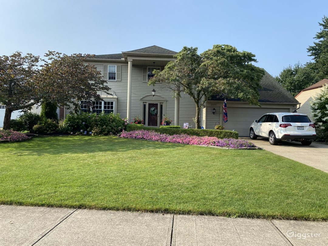 John Hughes-Style Suburban Home, Updated Photo 1