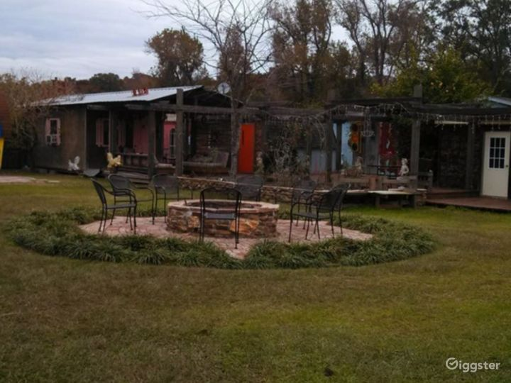 Beautiful Outdoor Sanctuary located near Lake Livingston Perfect for Recreational Activities  Photo 2