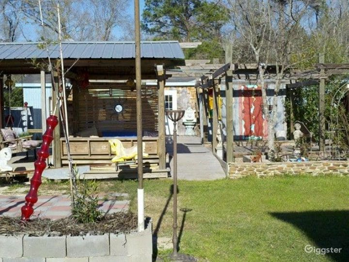 Beautiful Outdoor Sanctuary located near Lake Livingston Perfect for Recreational Activities  Photo 4