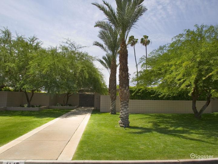 Two Palms Photo 4