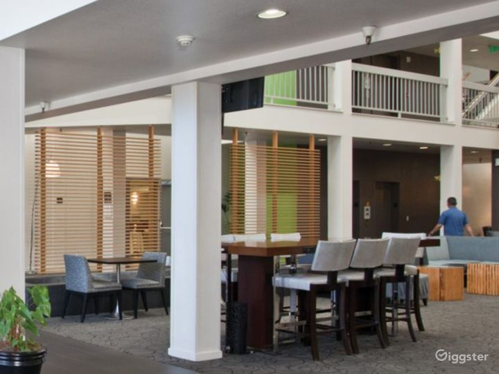 A Cozy Hotel Lobby Situated in Sunnyvale Photo 3