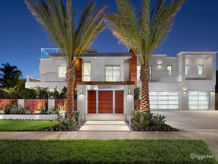 Modern Newport Beach Home with Pool Photo 2