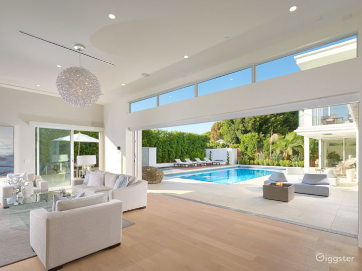 Modern Newport Beach Home with Pool Photo 5