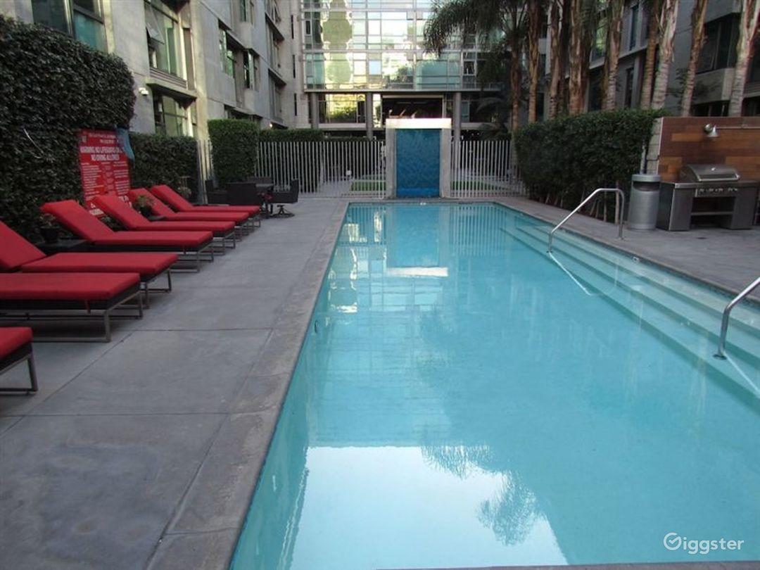 Beautiful Outdoor Pool in LA Photo 1
