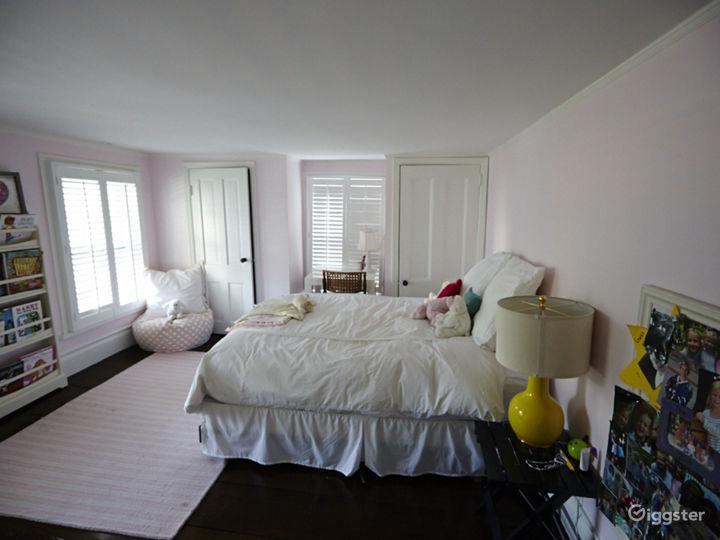 Contemporary suburban home: Location 5048 Photo 3