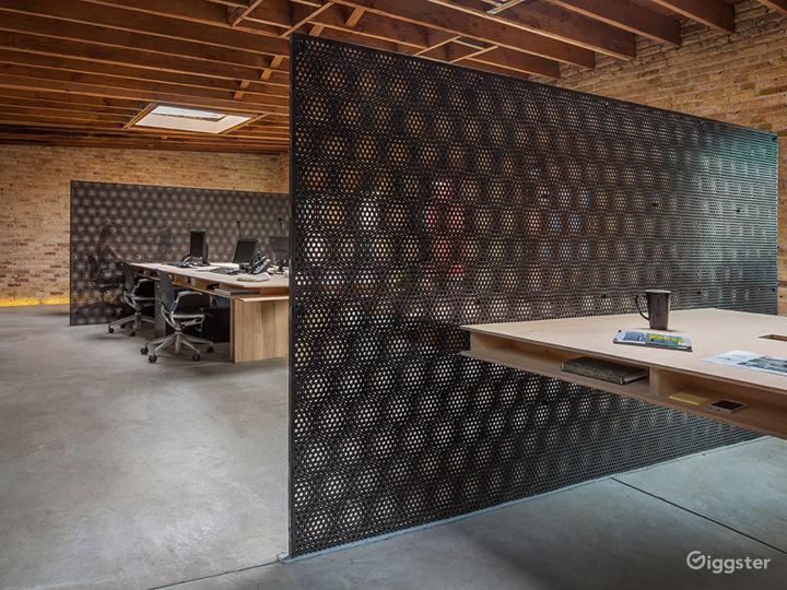 Large Logan Square Open Floorplan Office Space Photo 4
