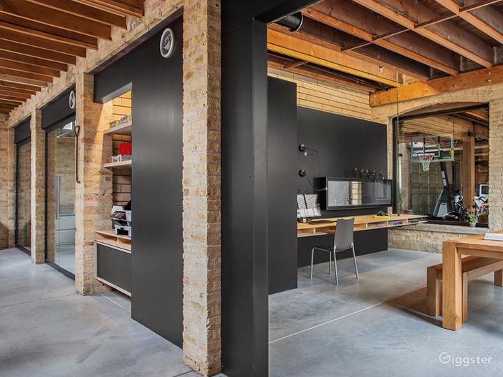 Large Logan Square Open Floorplan Office Space Photo 2