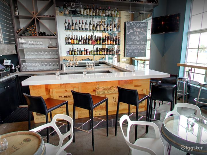 A Quiet Wine and Dine Bar in Florida (Buyout) Photo 5