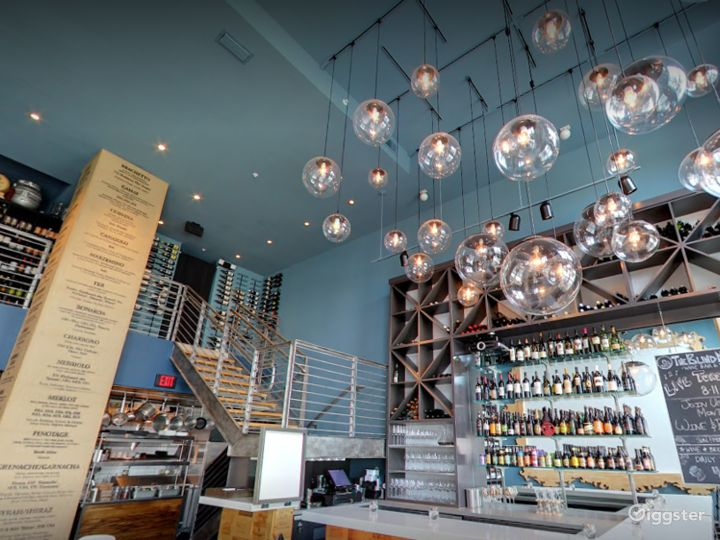 A Quiet Wine and Dine Bar in Florida (Buyout) Photo 4