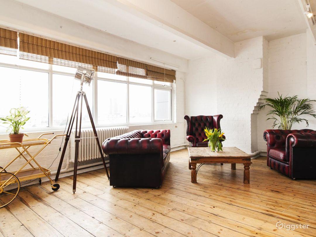 Studio with skylight in London Photo 1