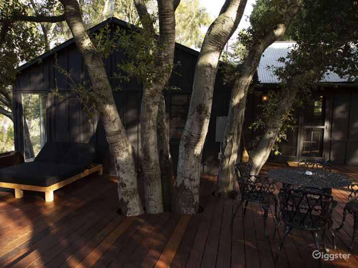 The Bungalow in Topanga with Outdoor Deck