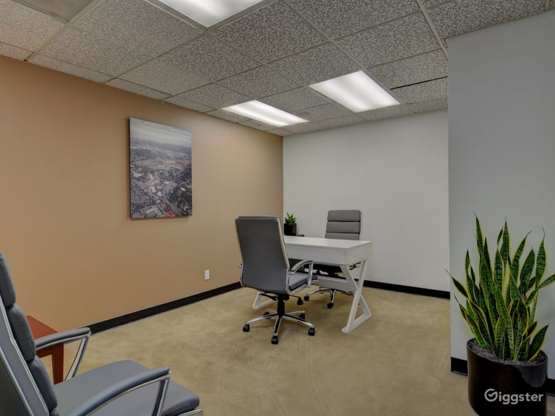 The Occupied Suite (Day Office) Photo 1