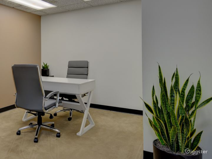 The Occupied Suite (Day Office) Photo 4
