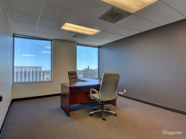 The Occupied Suite (Day Office) Photo 2