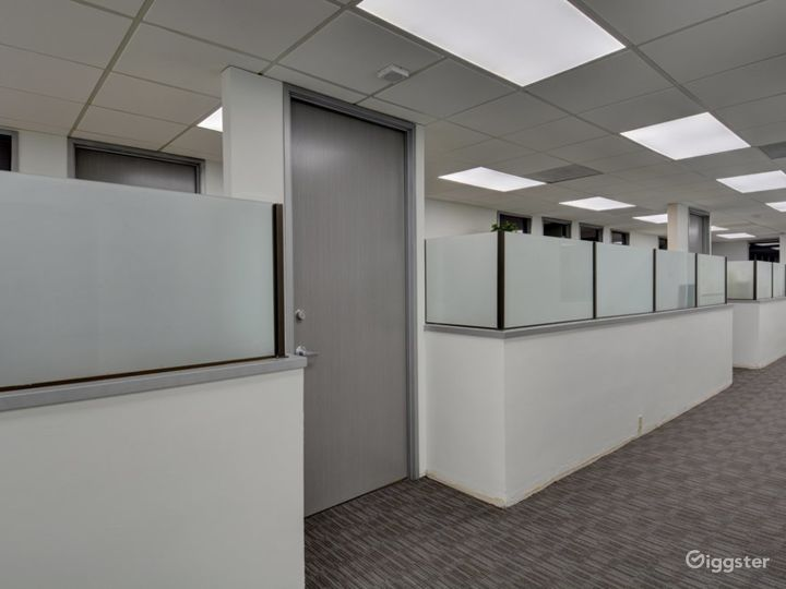 The Occupied Suite (Day Office) Photo 3