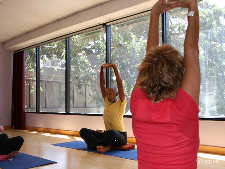 Naturally Lit Yoga Studio with Bamboo Floors in Agoura Hills Photo 2