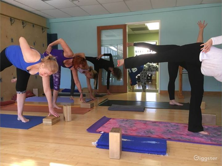 Naturally Lit Yoga Studio with Bamboo Floors in Agoura Hills Photo 5