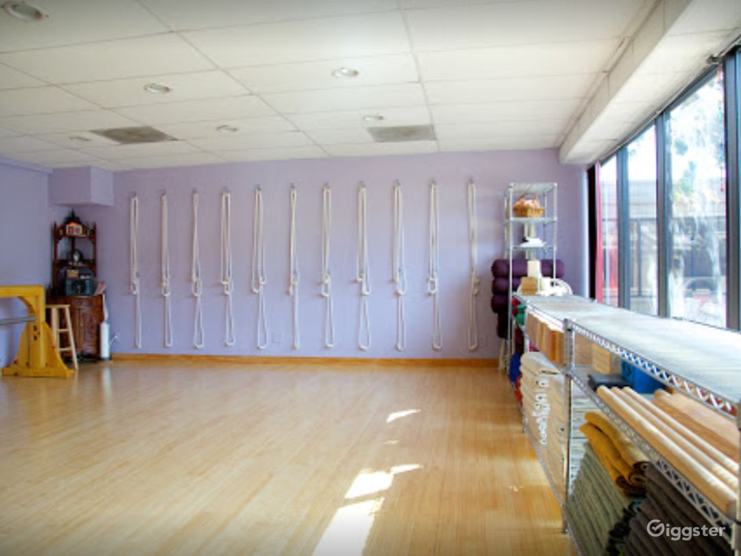 Naturally Lit Yoga Studio with Bamboo Floors in Agoura Hills Photo 1