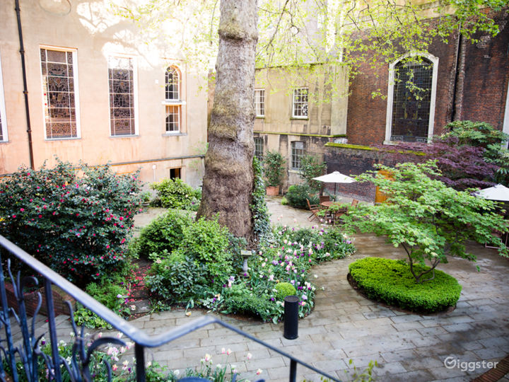 Secluded garden at Stationers' Hall