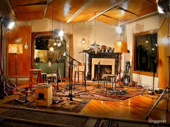 Historic Castle Recording Studio A Photo 4
