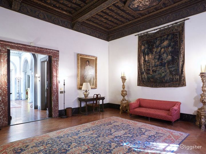 Renaissance Style Room in New York Photo 2