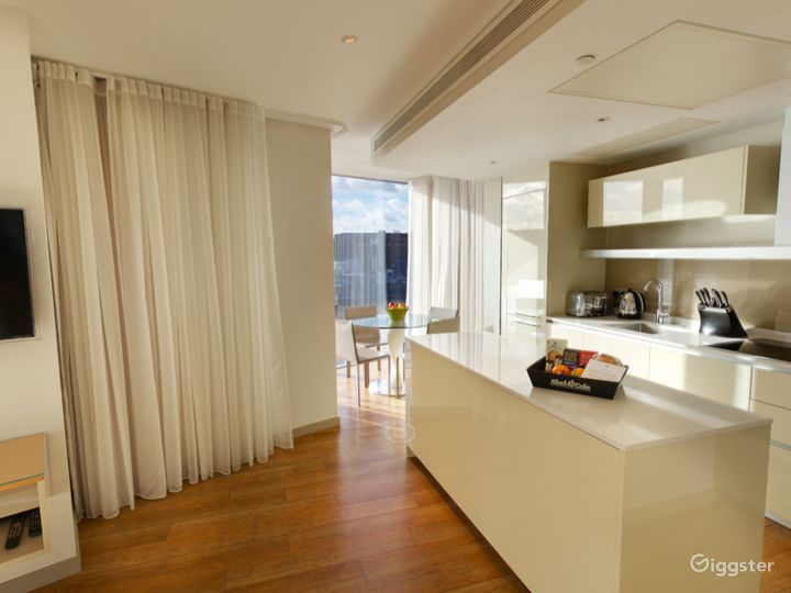 Cheval ThreeQuays - River View Deluxe Two Bedroom Apartment in London Photo 5
