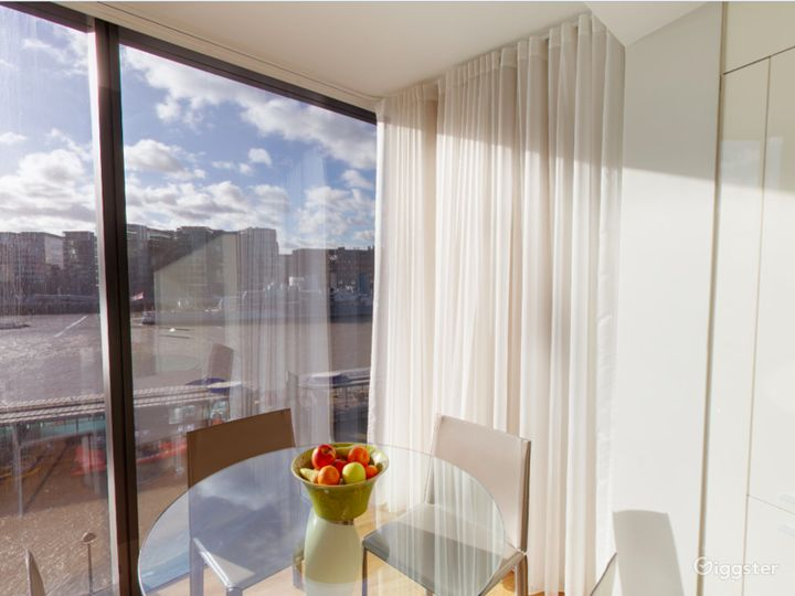 Cheval ThreeQuays - River View Deluxe Two Bedroom Apartment in London Photo 4