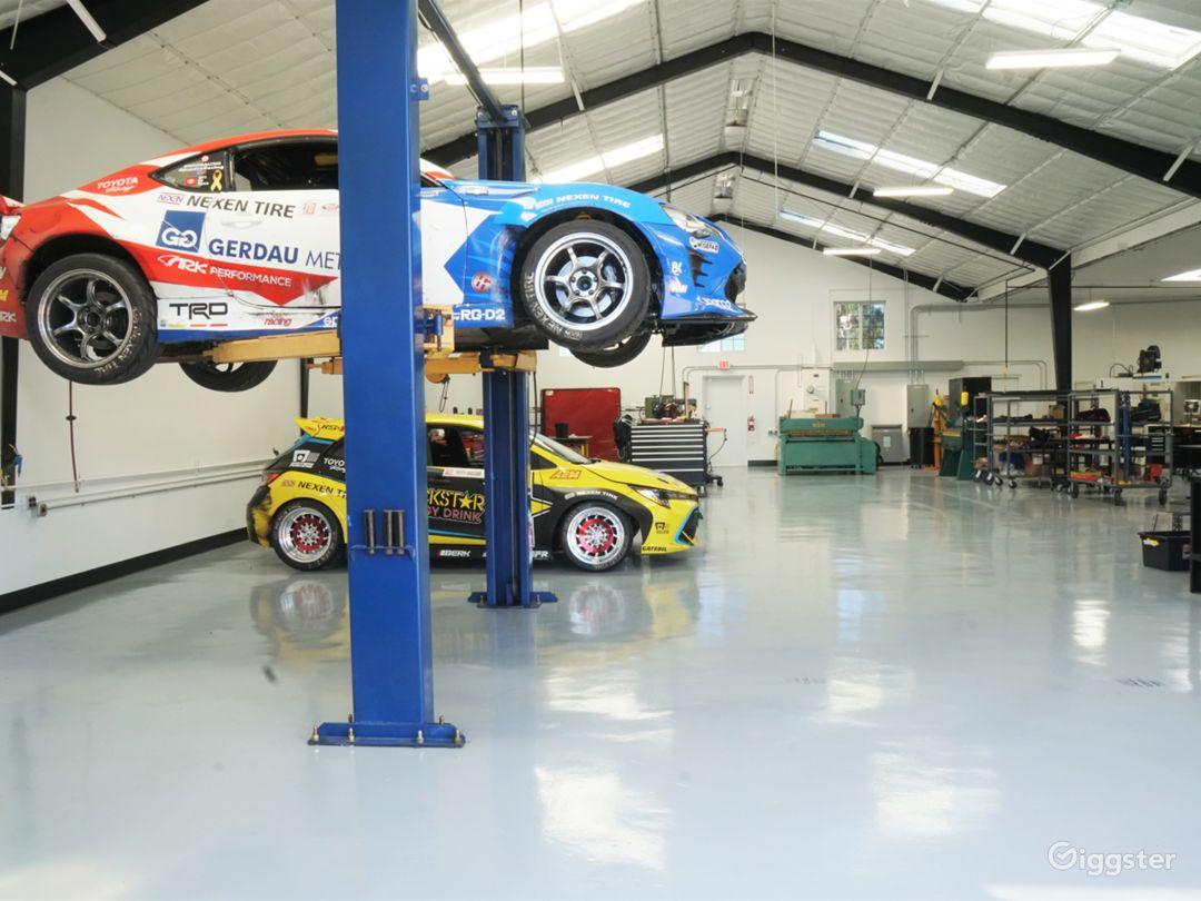 Super Clean Automotive Shop with Lift Photo 1