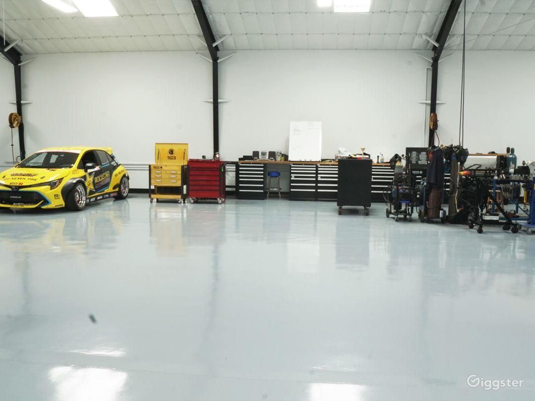 Super Clean Automotive Shop with Lift Photo 5