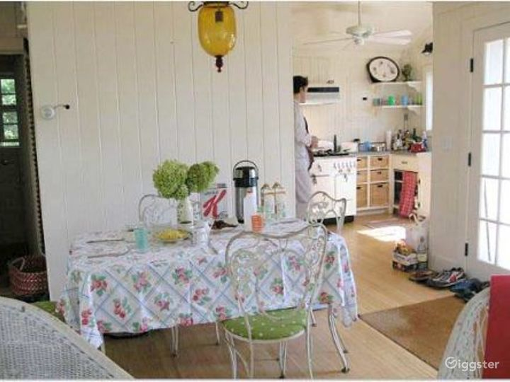Cute Hamptons home near to the water: Location 4032 Photo 3