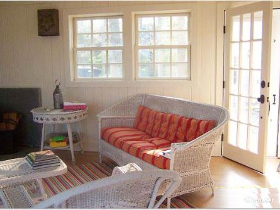 Cute Hamptons home near to the water: Location 4032 Photo 1