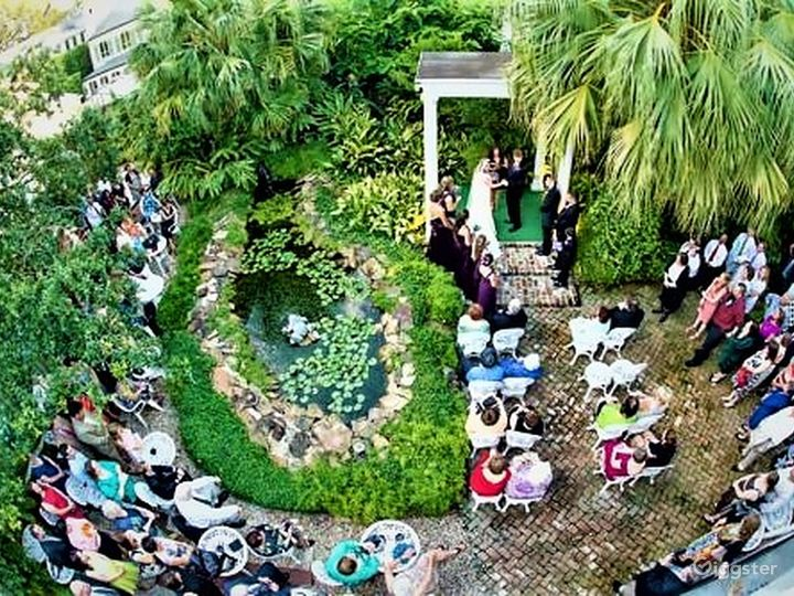 Courtyard For Intimate Occasion in New Orleans Photo 2