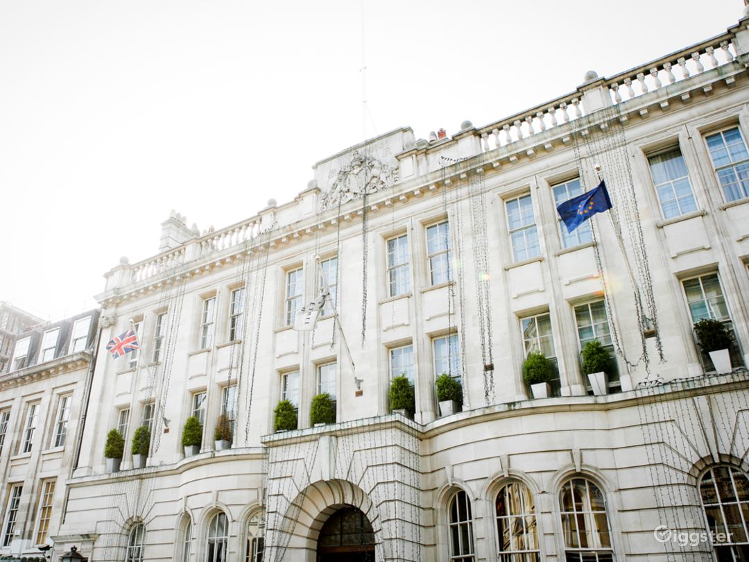 Luxury Hotel in the heart of London Photo 1