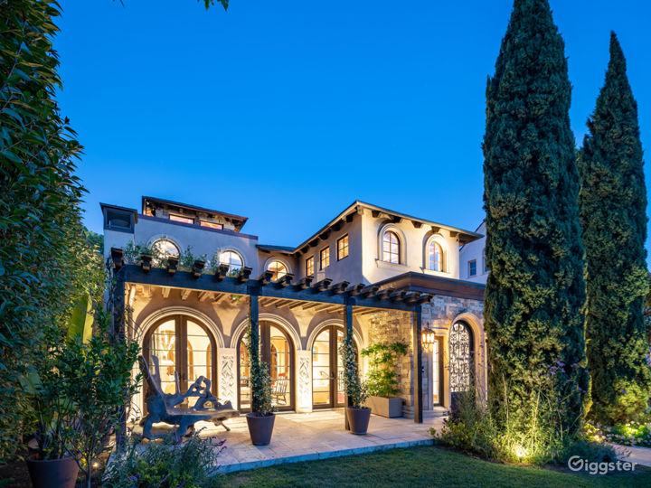 A sumptuous Tuscan Villa near the beach