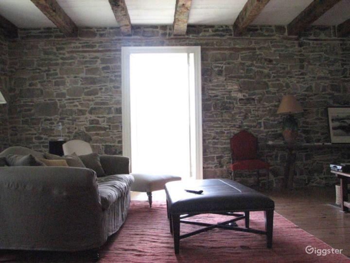 Stone farmhouse with outbuildings: Location 3086 Photo 2